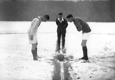 Partido de Fútbol con nieve