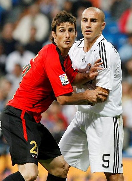 Fabio Cannavaro marcando a Aduriz