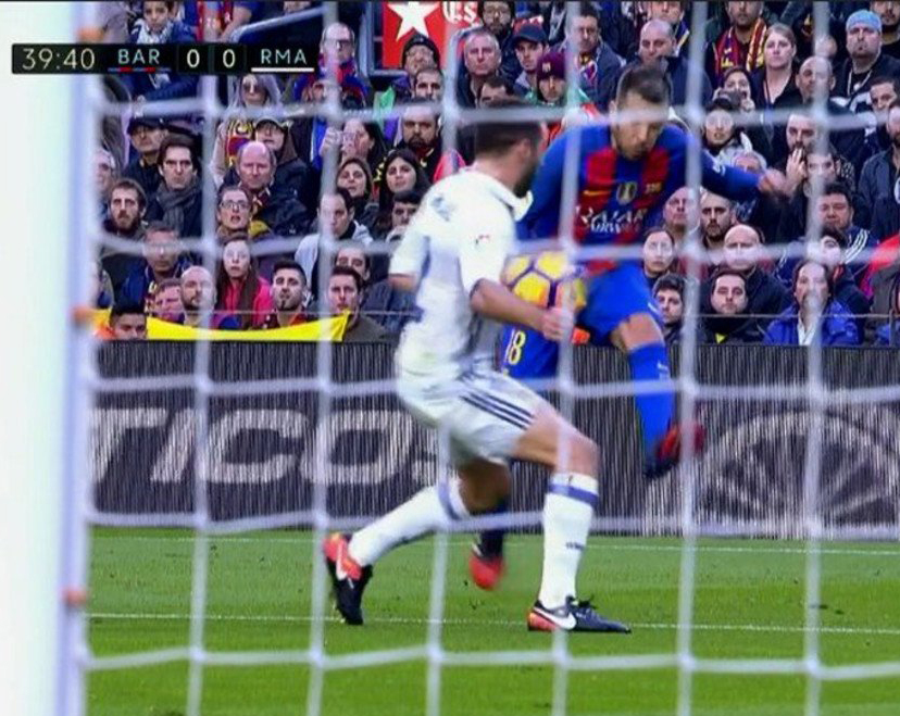 1x1 No extender brazos. Conceptos Defensivos del Marcaje al Hombre con Balón. Dani Carvajal