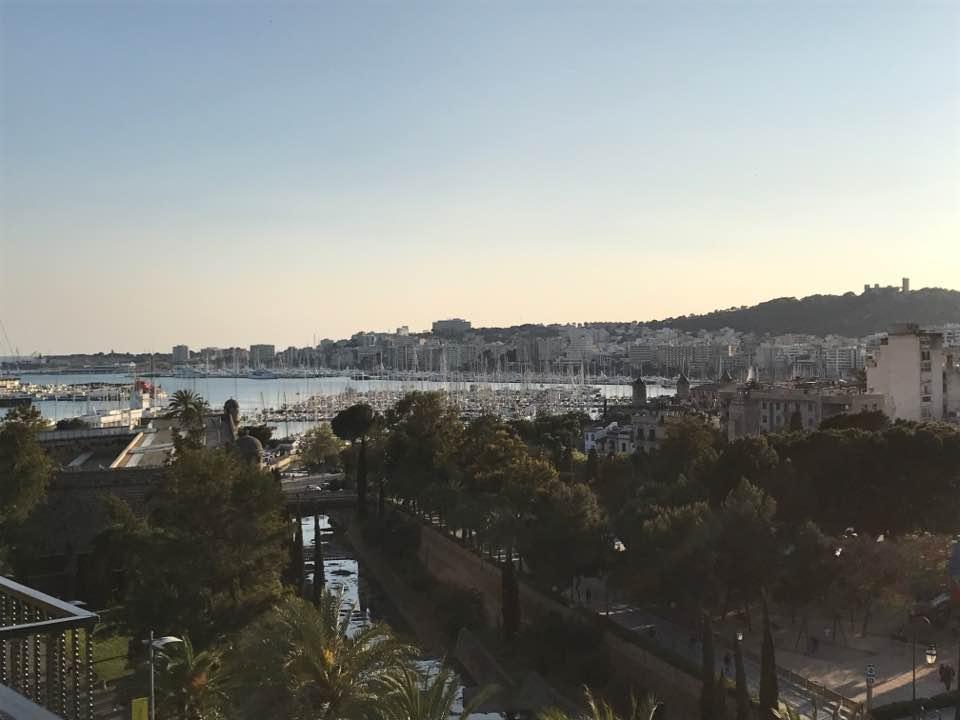 Vistas de Palma desde la terraza del Hotel Saratoga