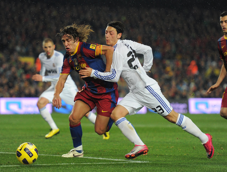 Marcaje Carlos Puyol y Ozil. Conceptos Defensivos del Marcaje al Hombre con Balón. www.tonimatasbarcelo.com