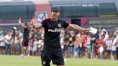 """Calentamiento del Profe Ortega en el Atlético de Madrid. Juego del """"Pilla-Pilla"""""""