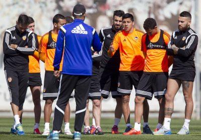 Valencia CF. Velocidad de Reacción con el Juego de Sumas y Restas. Ejercicio de Entrenamiento de Phil Neville