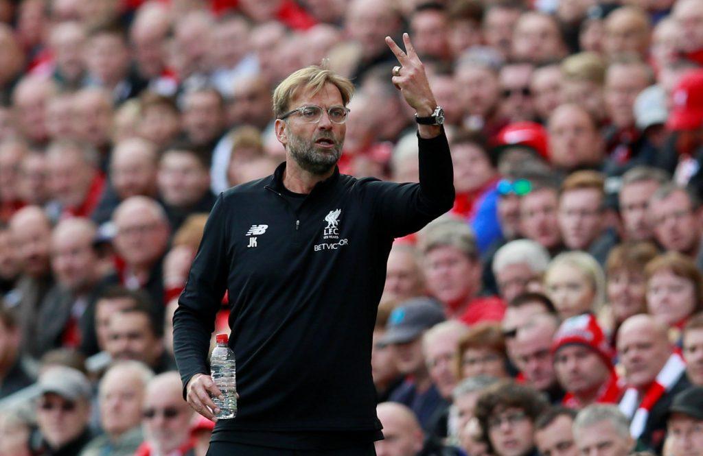 Jürgen Kloop. Ejercicios de Entrenamiento de fútbol. Liverpool. Equipo Profesional.